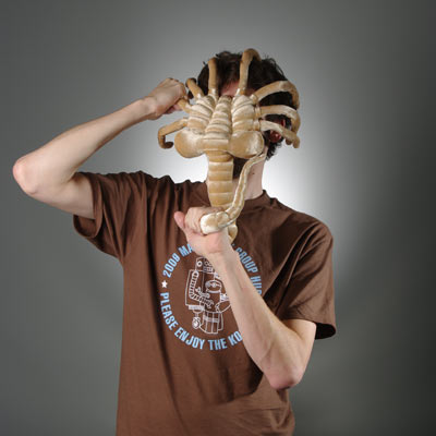 alien-facehugger-plush.jpg