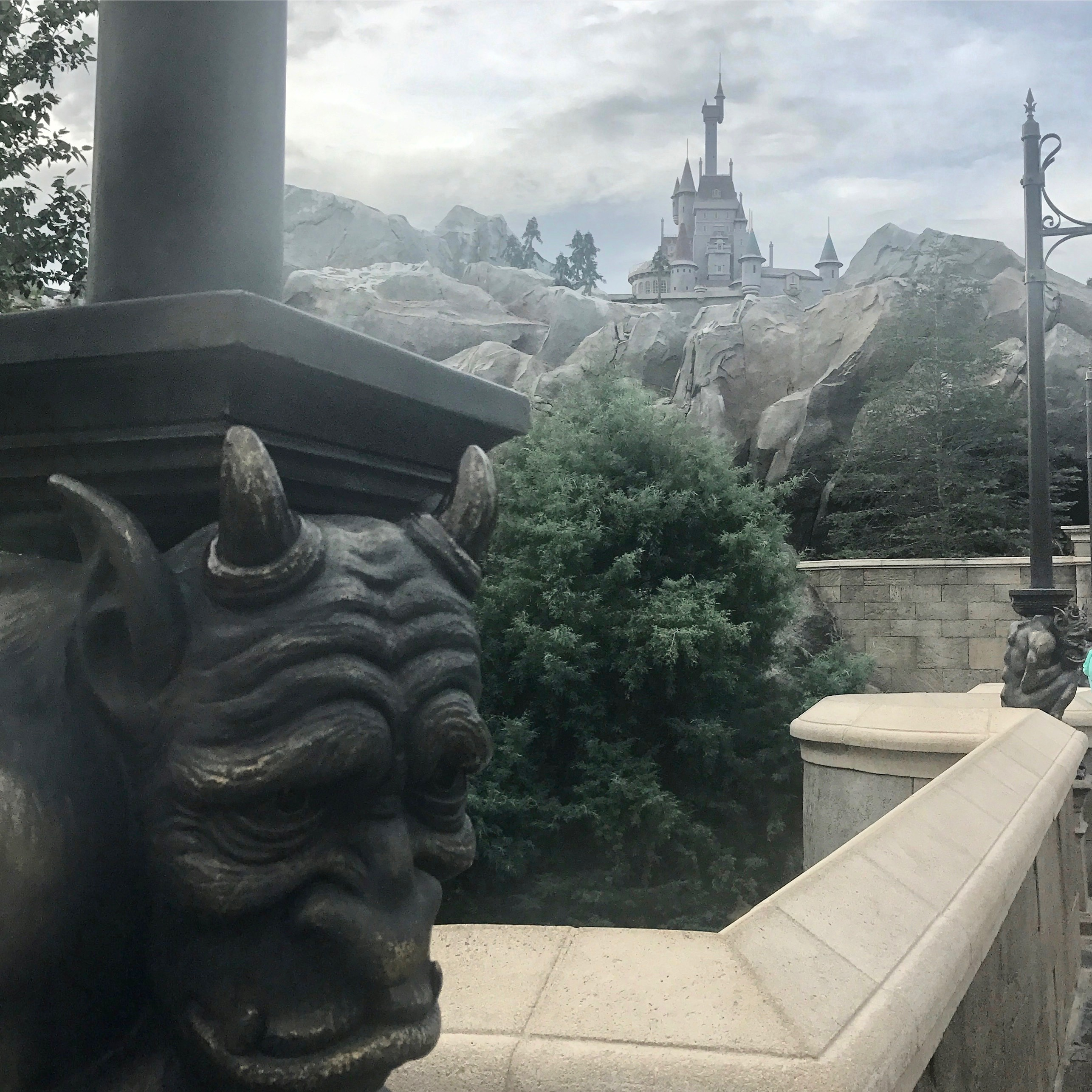 beasts-castle-magic-kingdom