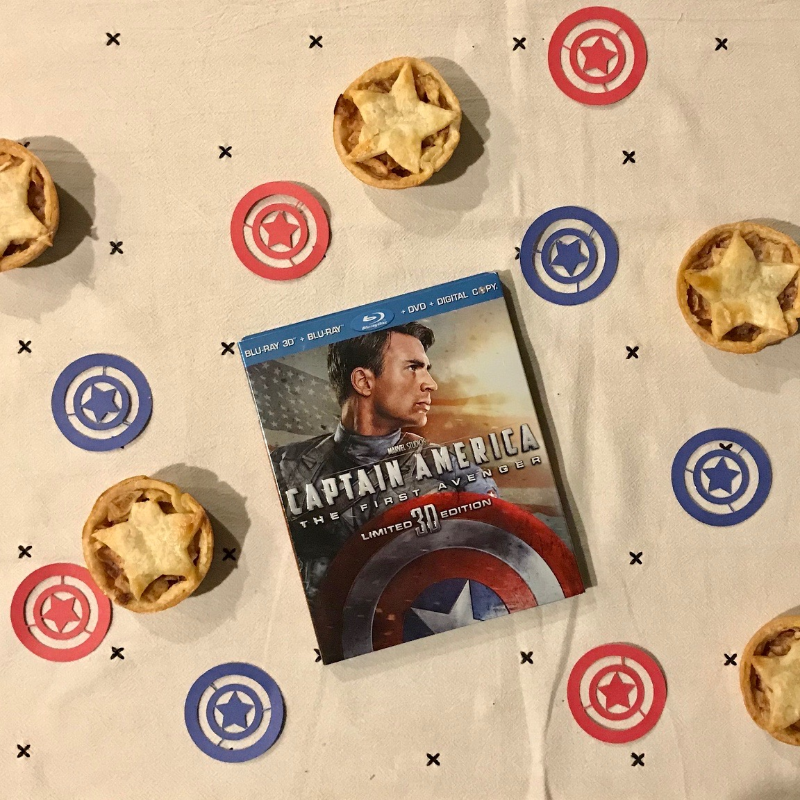 Marvel Captain America Mini Apple Pies