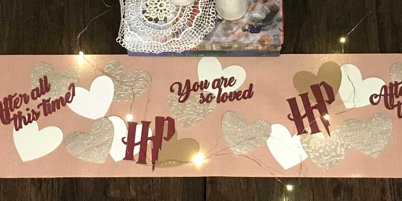 DIY: Harry Potter Valentine's Day Table Runner