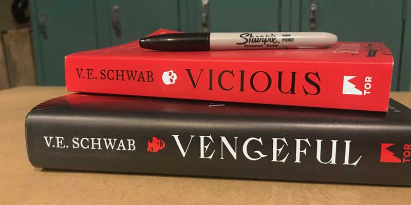 [GIVEAWAY] Vicious & Vengeful by V.E. Schwab
