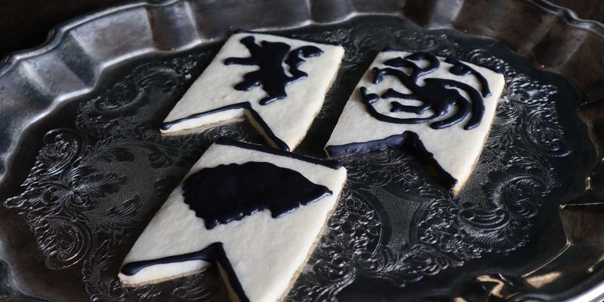 Easy Game of Thrones Sigil Banner Cookies