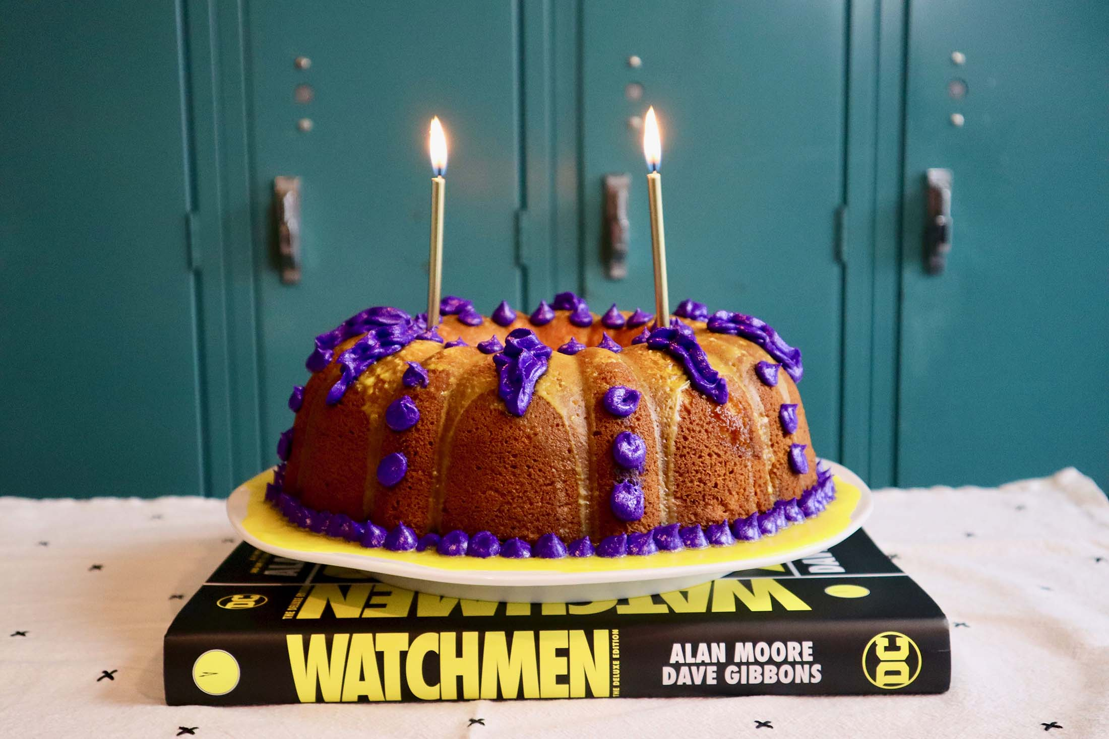 Awe Inspiring Adrian Veidts Birthday Cake From Hbos The Watchmen Popcorner Personalised Birthday Cards Paralily Jamesorg